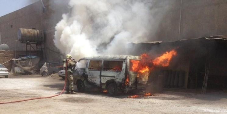 آتشسوزی دو دستگاه خودرو در شهرستان ری