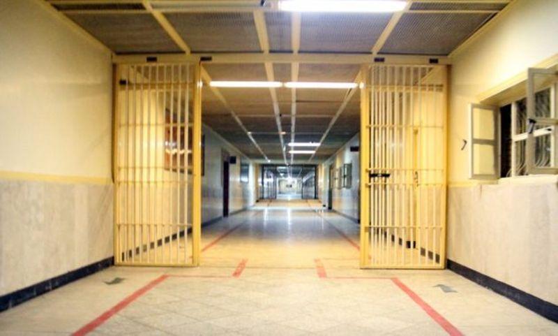 ۲۴ بانوی زندانی در ری به آغوش خانواده بازگشتند