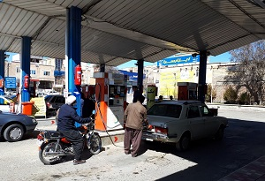 جایگاههای عرضه سوخت شهرستان ری روزانه گندزدایی میشود