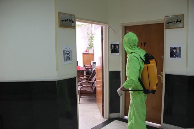 اجرای طرح مستمر محلول پاشی در اماکن عمومی شهر کهریزک