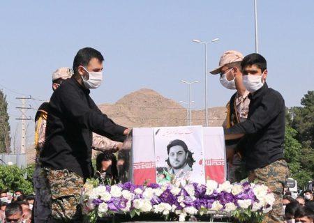 پیکر شهید مدافع حرم در شهرری تشییع شد